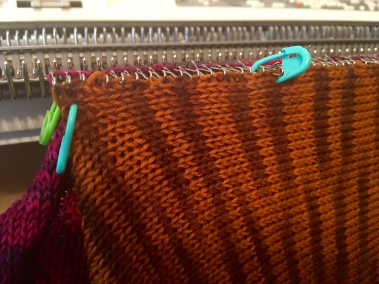 Stitch markers at 20-row intervals to ensure even hanging of side stitches for smooth seams