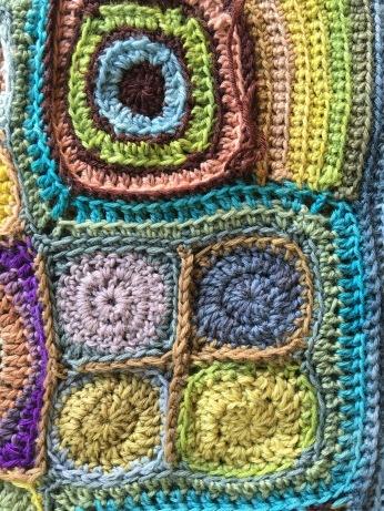 Crocheted motifs using plant-dyed pH-modified yarn