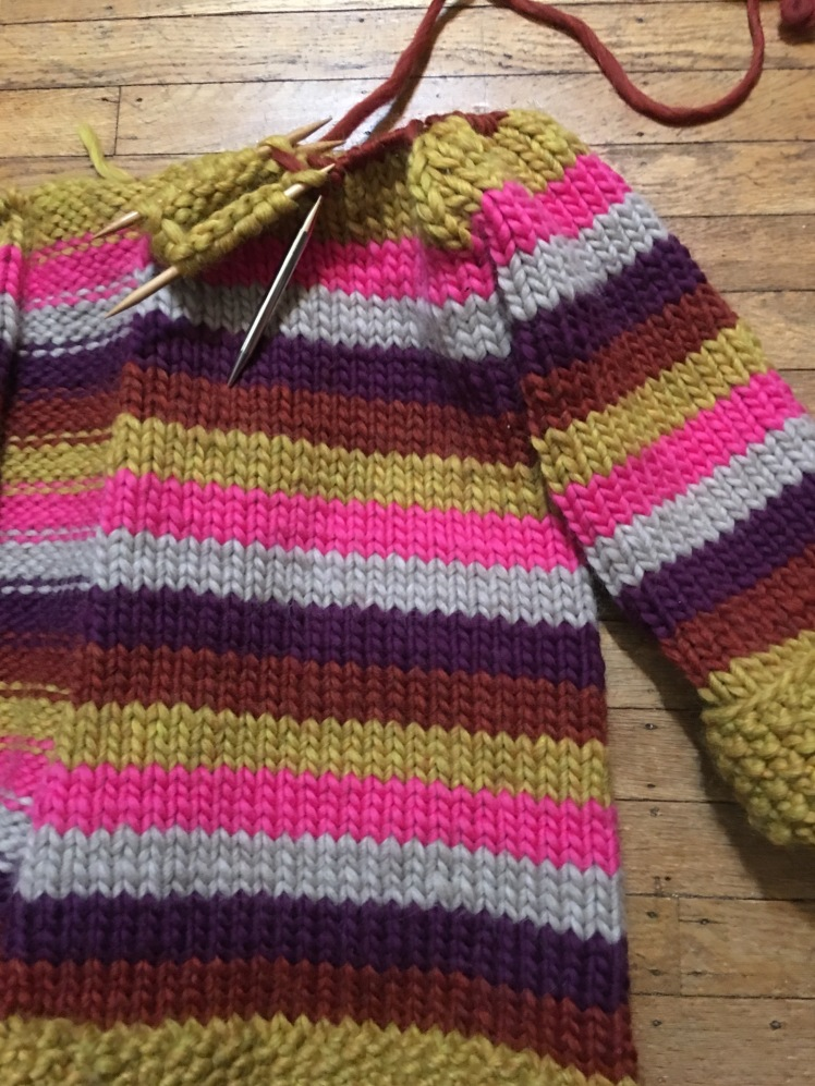 Knitted box pleat construction