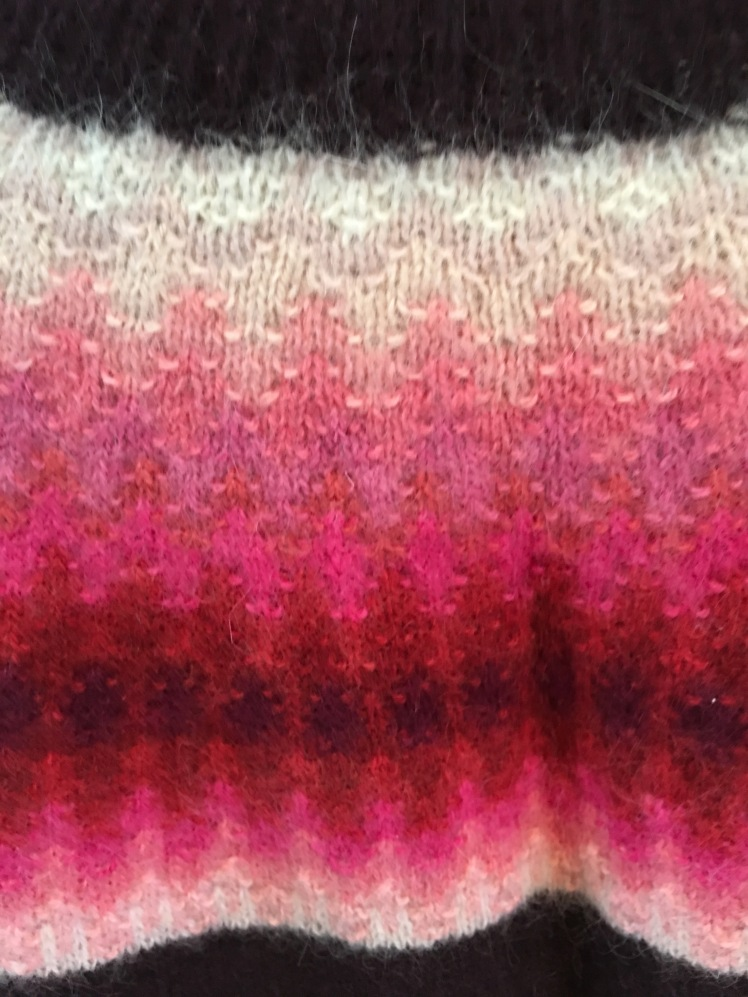 Bohus knitting in a pink gradient