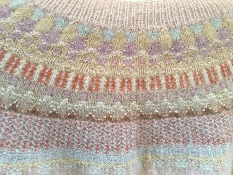 Knit-purl texture in Bohus knitting